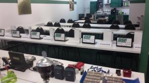 Unseren Unterricht ergänzen wir gerne mit interaktiven Einheiten - jeder Teilnehmer bekommt dazu einen Laptop gestellt