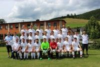 Die Mannschaft des TSV Ebersdorf im Sommer 2017 anlässlich der Trikotübergabe durch DSF